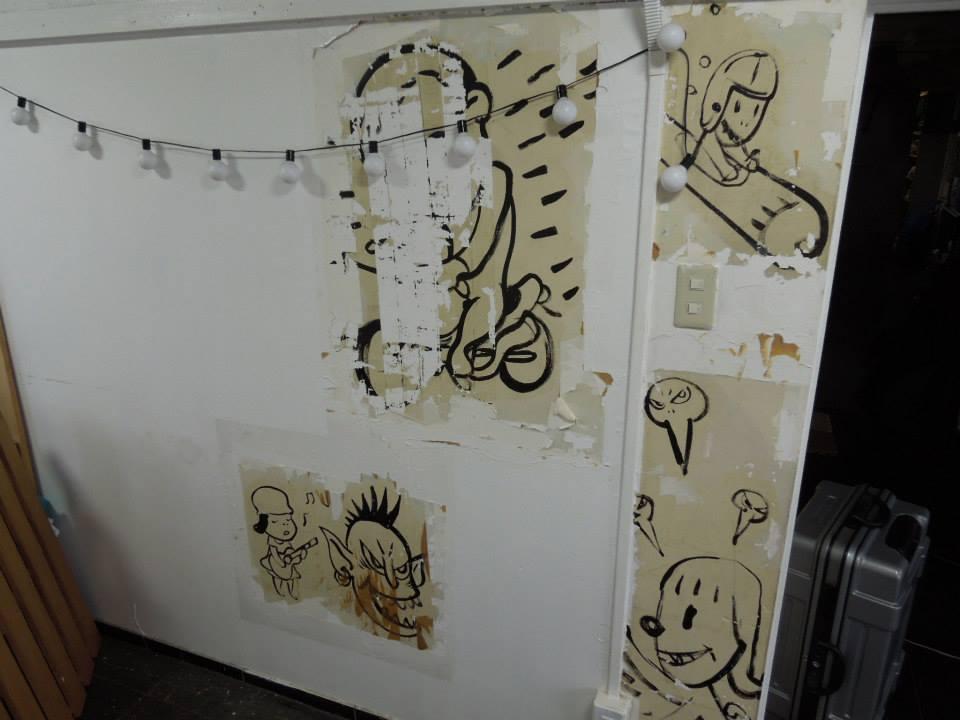 当時の寮生たちと奈良さんの全体絵