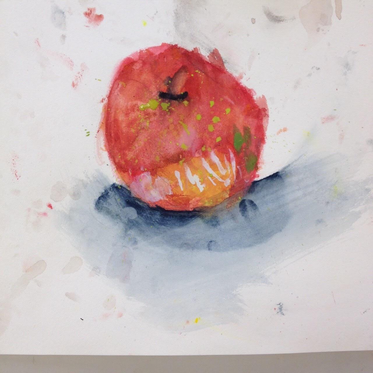 素敵なりんごが描けました!